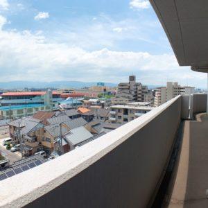 ●バルコニーから見える春木駅はラピートが見えます♬お子様は大はしゃぎ(^^♪