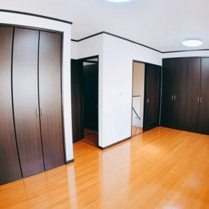 ※今は大きな一つのお部屋ですが、真ん中で区切ると2部屋となります。