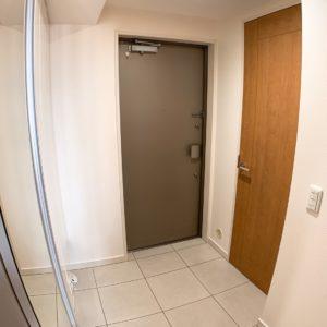 ●玄関横にはマンションでは希少なシューズインクロークまで付いています。。。。す、、凄い‼