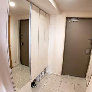 ●とっても綺麗でおしゃれなシューズBOX付き、、大きな鏡も付いてますよ♪