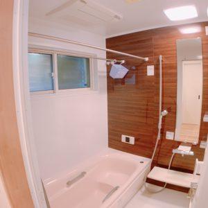 ◆ミストカワック付きのお風呂になります、床もフワフワ仕上げで小さなお子様も安心ですよ(^^♪