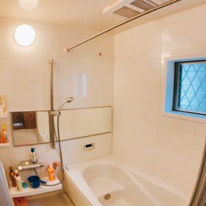◆ベンチ浴槽はお子様から大人まで嬉しいアイテムですね。