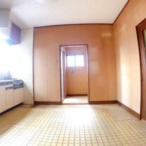 ◆6帖のダイニングキッチンです♪キッチンの前には大きな窓がありとっても明るいです(^^♪