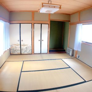 ◆最近少ない和室8帖♪押し入れ・仏間・床の間が並んでいます♪ゆったりしてますね(^^♪