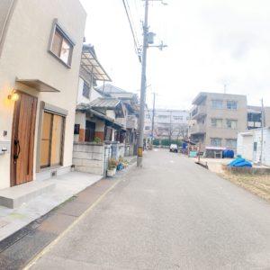 ◆前面道路も広く、小学校が見えるぐらい近いです!(^^)/