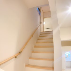 ◆階段までリフォームしてるのは、実は珍しいです!中は新築同様です!