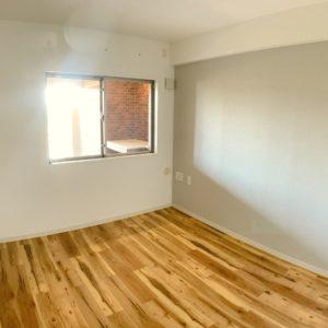 ★左手側の子供部屋です。。ポーチ側の窓があり明るくてイイ感じ♫
