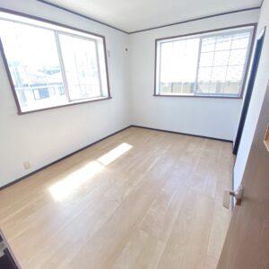 ◆2階の6帖のお部屋も明るくてLDKの横なのでめちゃめちゃありがたいお部屋♪