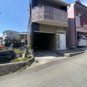☆岸和田市流木町 お庭がもはや公園 3LDK 3階建て☆