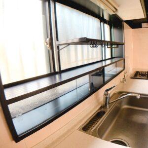 ◆キッチンの窓にこの棚めっちゃありがたいっす◆
