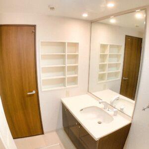 ◆大きな鏡の洗面化粧台♫素敵ですね。。