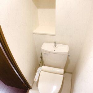 ◆御手洗いです。ちょっとした棚が嬉しいですね。